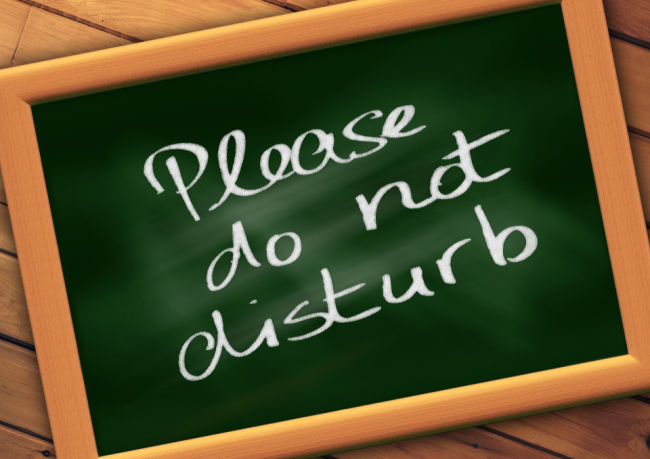 please-do-not-disturb sign